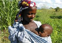 photo of mother and baby in Malawi